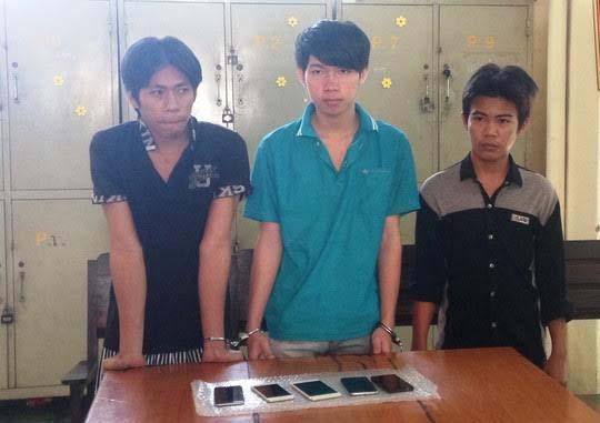 Băng trộm tại cơ quan công an. Từ trái qua: Phục, Kha và Đạt