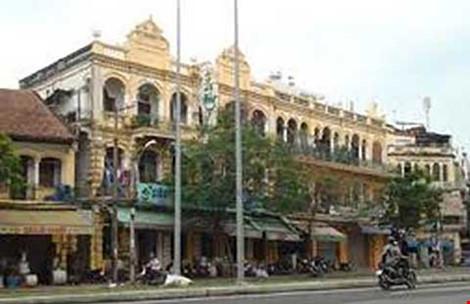 Tòa nhà trên đường Hải Thượng Lãn Ông, trụ sở cũ của Vị Hương Tố.