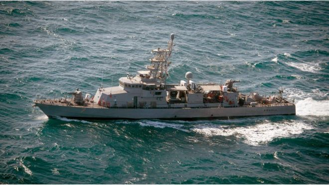 Hải quân Mỹ cho biết tàu Iran chỉ cách tàu Mỹ 180m. Ảnh: Hải quân Mỹ