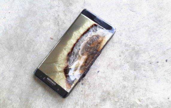 Chiếc Note 7 bốc cháy đêm qua tại phòng khách sạn ở Úc