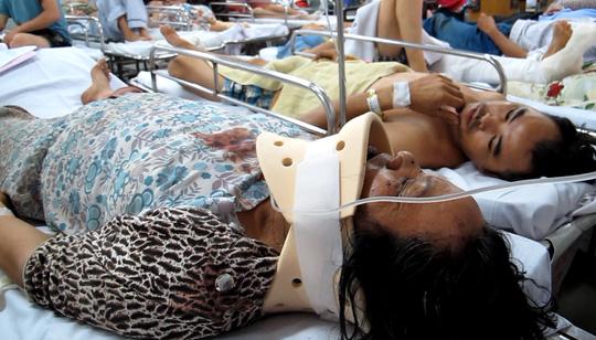Bà Phạm Thị Hòa bị thương vùng cổ