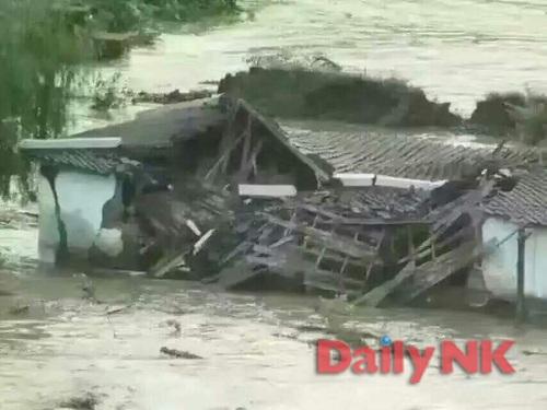 Cảnh lũ lụt tại khu Namyang thuộc tỉnh Hamgyong Bắc. Ảnh: DAILY NK