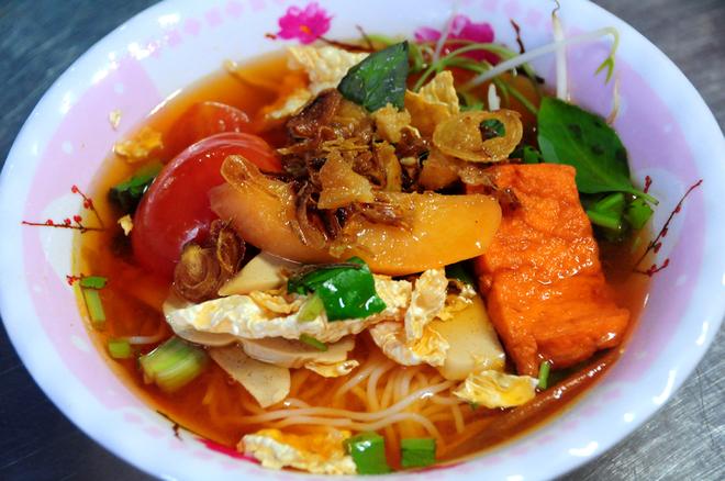 Ngày Vu Lan, ghé chợ đồ chay chỉ 15.000 đồng ở Sài Gòn