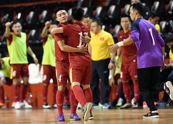 Việt Nam bất ngờ dẫn trước Argentina