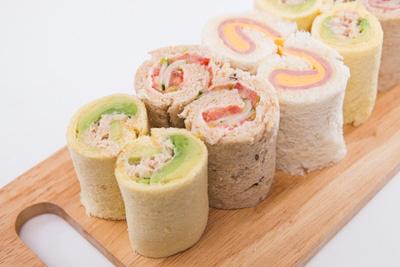 Sandwich cuộn lạ miệng và đẹp mắt đúng chuẩn nhà hàng