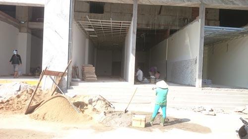 Tầng trệt chung cư Khang Gia - Tân Hương bị chia thành nhiều căn hộ nhỏ để bán