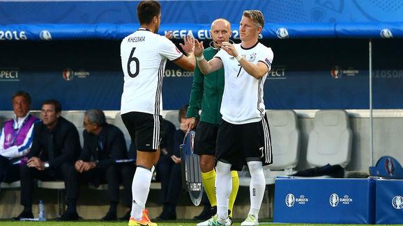 Khedira nhường chỗ cho Schweinsteiger