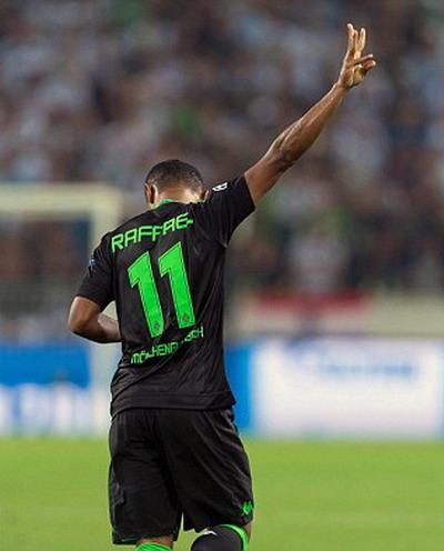 Raffael và ký hiệu ba bàn thắng