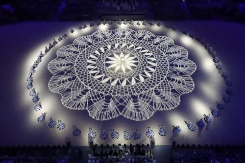 Ánh sáng tràn ngập lễ bế mạc Olympic Rio