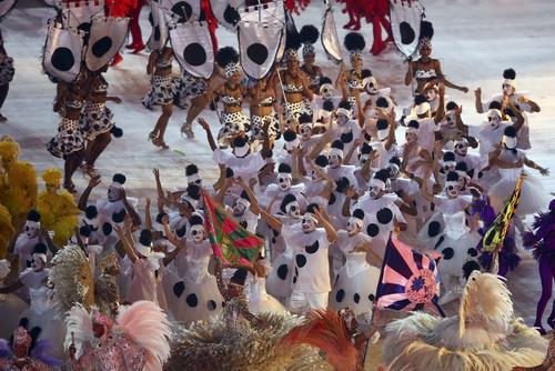 Lễ hội carnival thay lời chia tay Rio 2016