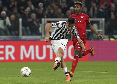 Paulo Dybala đánh bại David Alaba và hàng thủ Bayern