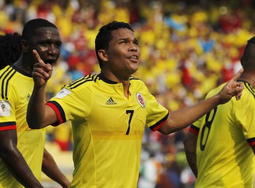 Carlos Bacca ghi cú đúp cho Colombia trước Ecuador