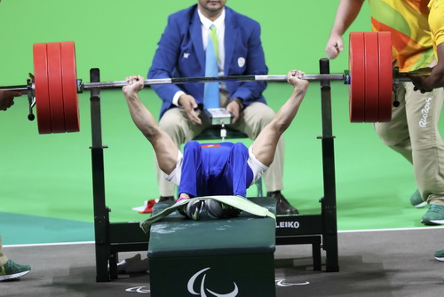 Lần thực hiện thành công mức tạ 181 kg