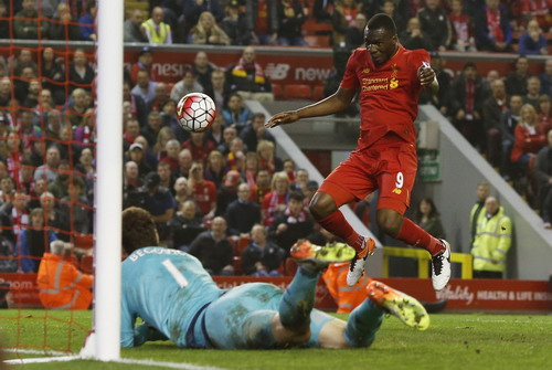 Benteke ghi bàn gỡ hòa 1-1 phút bù giờ cho Liverpool