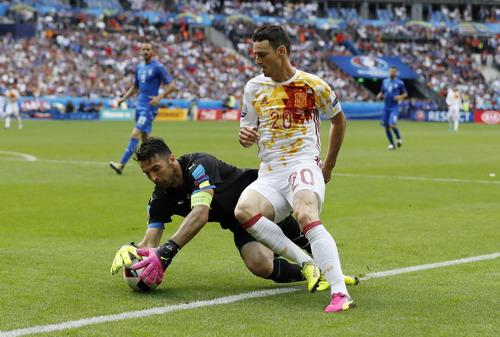 Tấn công nhiều mà không hiệu quả, Tây Ban Nha phải trả giá
