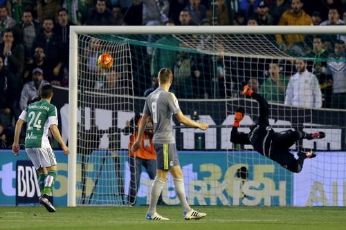 Real Madrid nhận bàn thua từ phút thứ 7