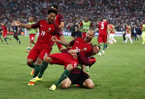 Bồ Đào Nha lọt vào bán kết lần thứ tư sau 5 kỳ Euro
