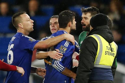 Cá tính mạnh mẽ khiến Diego Costa ưa tranh cãi trên sân