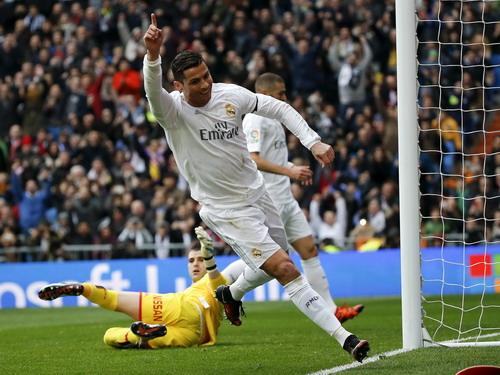Ronaldo thi đấu thăng hoa trên mọi mặt trận
