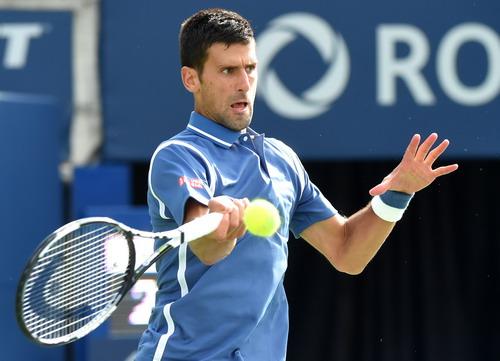 Djokovic thẳng tiến vòng 3