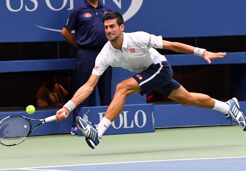 Djokovic không khó để vượt qua đối thủ ưa thích Monfils lần thứ 15