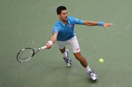 Djokovic vất vả khi dính chấn thương ở ván quyết định