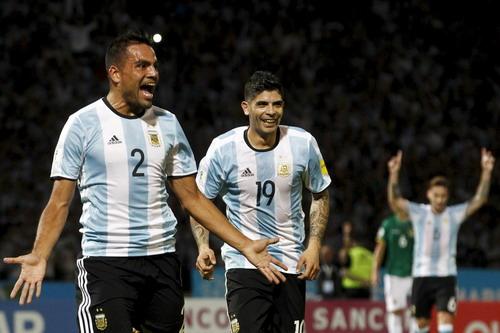 Gabriel Mercado ghi bàn mở tỉ số trên sân Cordoba