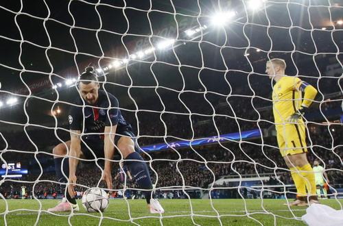 Ibrahimovic lập kỷ lục ghi bàn cho PSG