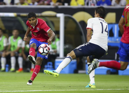 Johan Venegas ghi bàn từ phút 2 cho Costa Rica