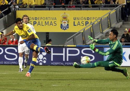 Willian Jose ghi bàn vào lưới đội bóng cũ
