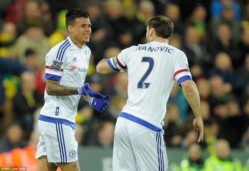 Kenedy ghi bàn thắng nhanh nhất giải cho Chelsea