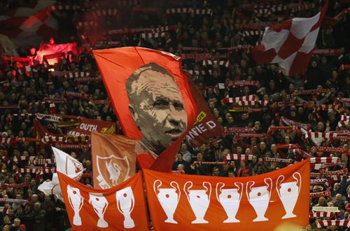 Khán giả sân Anfield đã tiếp sức cho cầu thủ Liverpool bằng sự cuồng nhiệt
