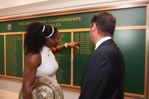 Serena Williams ghi tên mình vào lịch sử
