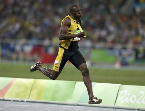 Bolt bỏ xa mọi đối thủ, kể cả De Grasse