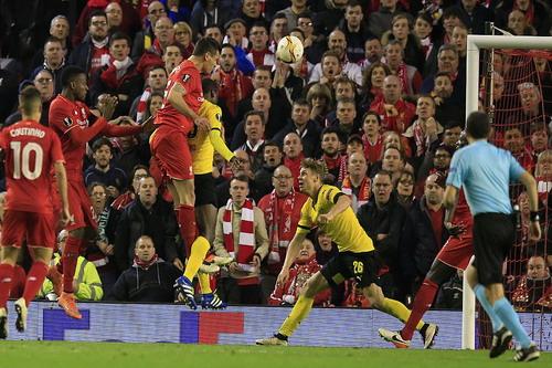 Dejan Lovren ghi bàn quyết định, đưa Liverpool vào bán kết