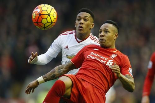 Martial bỏ lỡ nhiều cơ hội trước khung thành Liverpool