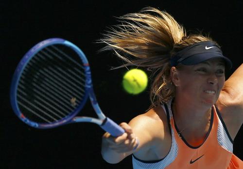 Sharapova nhập cuộc mạnh mẽ, đẩy Serena vào thế khó