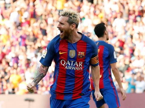 Messi lập cú đúp bằng hai pha nã đại bác