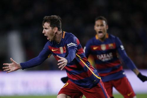 Messi tỏa sáng với cú hat-trick trong trận