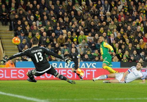 Nathan Redmond ghi bàn danh dự cho Norwich