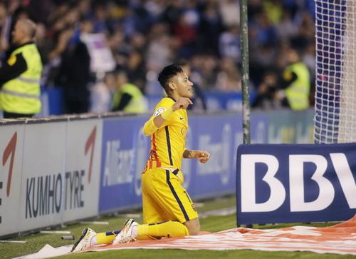 Neymar hồi sinh trở lại