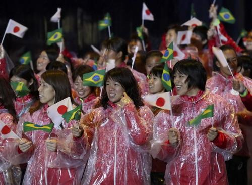 Các VĐV Nhật Bản tại lễ diễu hành