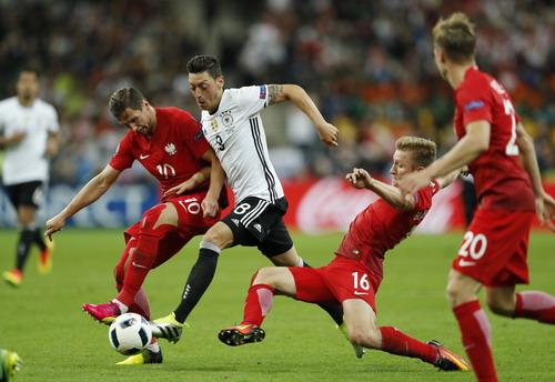 Mesut Ozil và cơ hội tấn công tốt nhất cho tuyển Đức
