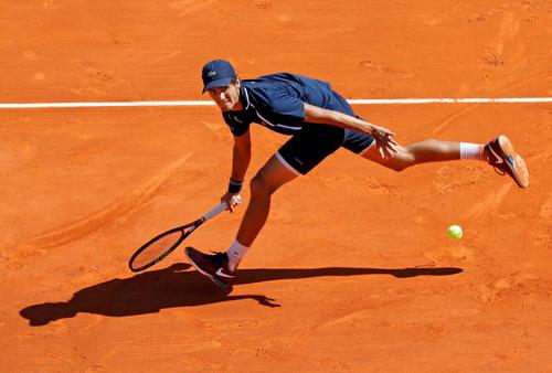 Pierre-Hugues Herbert gây nhiều khó khăn cho tay vợt hạt giống số 2