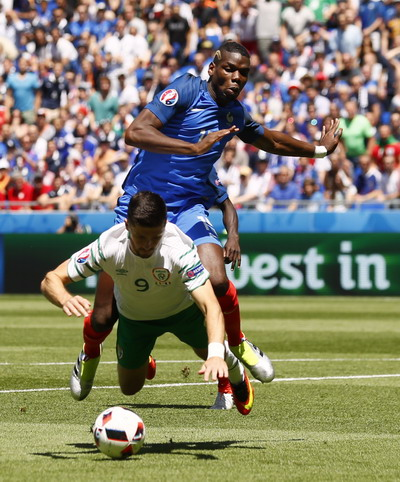 Paul Pogba thi đấu sa sút tại Euro 2016
