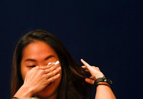 Ratchanok Intanon rơi nước mắt vì thất bại