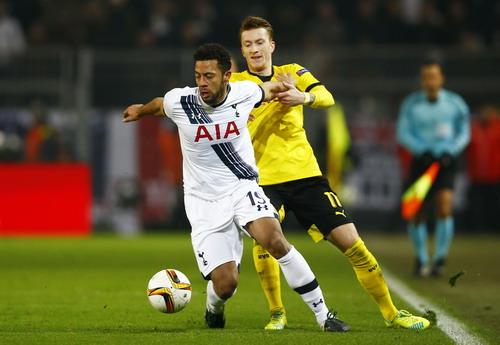 Marco Reus lập cú đúp, giúp Dortmund nhiều hy vọng vào tứ kết