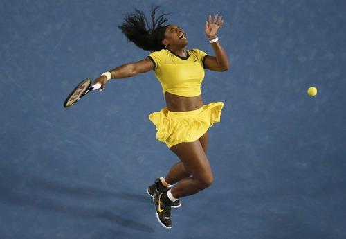Serena Williams trong pha bóng không thành công