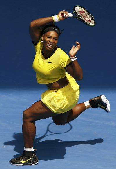 Serena đáp trả dũng mãnh, thắng luôn ván đầu 6-4