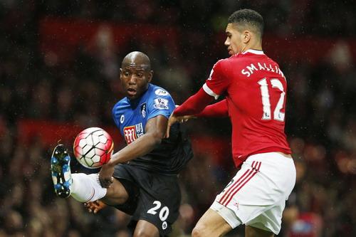 Smalling liên tục đá phản lưới nhà, đội tuyển Anh nên lo lắng